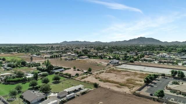 2059 E Queen Creek Road, Gilbert, AZ 85297 (MLS #6300687) :: Zolin Group