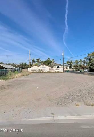9002 S Calle Sahuaro, Tempe, AZ 85283 (MLS #6301863) :: The Daniel Montez Real Estate Group