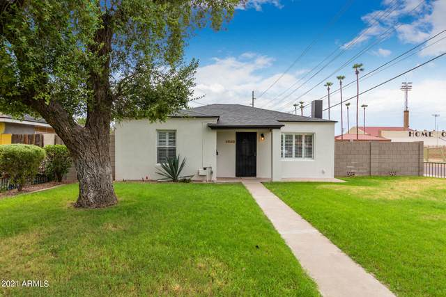 2542 N 12TH Street, Phoenix, AZ 85006 (MLS #6302503) :: CANAM Realty Group