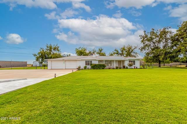 17201 W Olive Avenue, Waddell, AZ 85355 (MLS #6305640) :: The Bole Group | eXp Realty