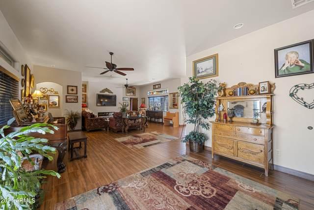 695 N Topeka Circle, Wickenburg, AZ 85390 (MLS #6309239) :: Conway Real Estate