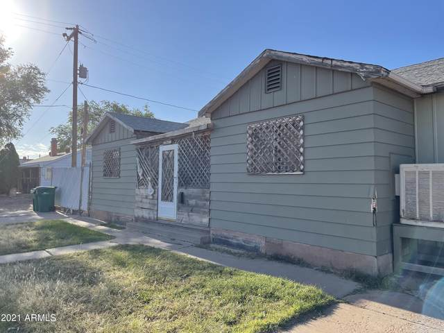 511 E Maple Street, Winslow, AZ 86047 (MLS #6309497) :: Power Realty Group Model Home Center