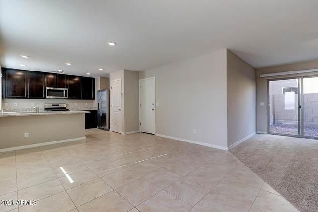 8217 W Albeniz Place, Phoenix, AZ 85043 (MLS #6311093) :: Jonny West Real Estate