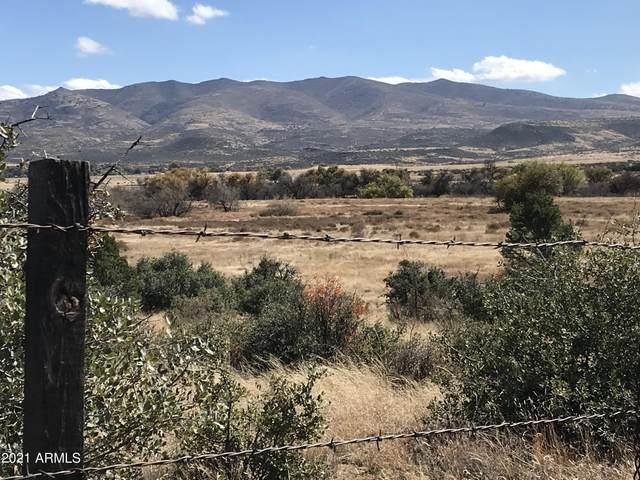 18451 S Peeples Valley Road, Peeples Valley, AZ 86332 (MLS #6312315) :: My Home Group