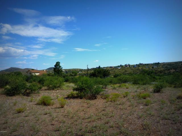 20206 E Lakeside Road, Mayer, AZ 86333 (MLS #5656197) :: Riddle Realty Group - Keller Williams Arizona Realty
