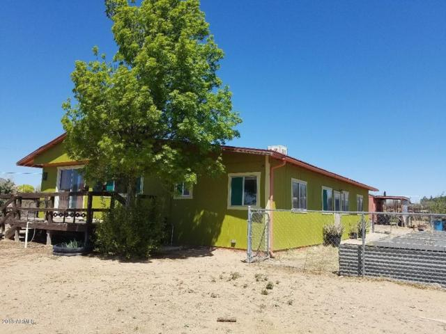 6701 S Musgrove Road, Skull Valley, AZ 86338 (MLS #5754881) :: Kortright Group - West USA Realty