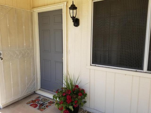 10883 W Santa Fe Drive, Sun City, AZ 85351 (MLS #5771912) :: Yost Realty Group at RE/MAX Casa Grande