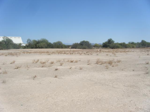 29939 W Desert Drive, Buckeye, AZ 85326 (MLS #5822968) :: The Garcia Group