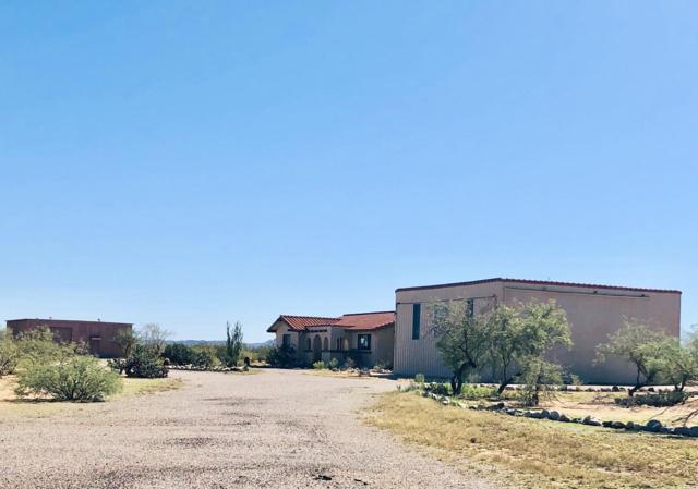 48223 N Black Eagle Road, Aguila, AZ 85320 (MLS #5836901) :: Brett Tanner Home Selling Team