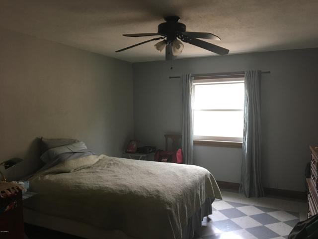 34908 S Cow Creek Road, Morristown, AZ 85342 (MLS #5856656) :: Yost Realty Group at RE/MAX Casa Grande