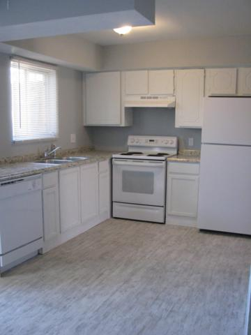 3605 W Bethany Home Road #7, Phoenix, AZ 85019 (MLS #5860787) :: CC & Co. Real Estate Team