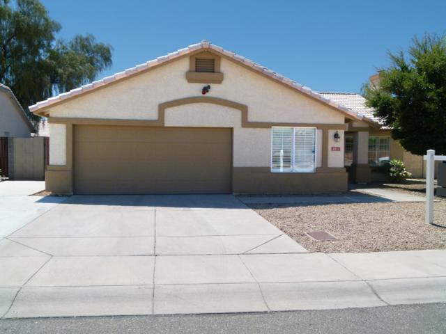 8211 W Stella Avenue, Glendale, AZ 85303 (MLS #5880373) :: Yost Realty Group at RE/MAX Casa Grande