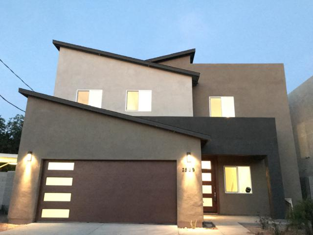 2539 N 28TH Place, Phoenix, AZ 85008 (MLS #5887791) :: CC & Co. Real Estate Team