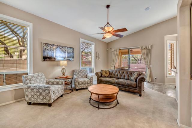 7043 E Regina Street, Mesa, AZ 85207 (MLS #5903009) :: Yost Realty Group at RE/MAX Casa Grande