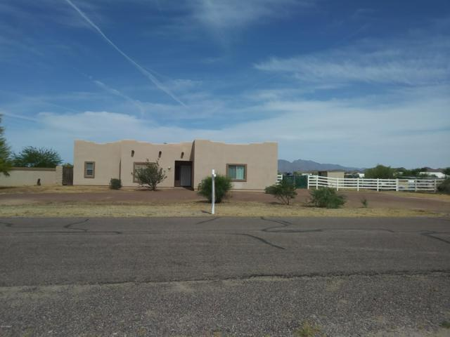 12109 S 207TH Drive, Buckeye, AZ 85326 (MLS #5916059) :: The Everest Team at My Home Group