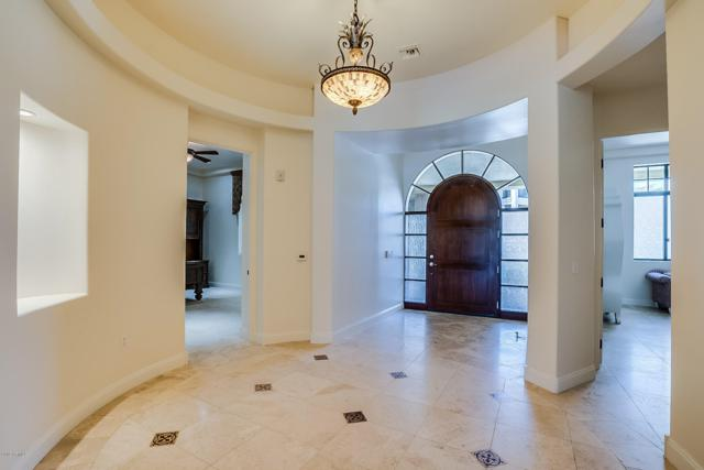 2 Biltmore Estates #113, Phoenix, AZ 85016 (MLS #5918603) :: Keller Williams Realty Phoenix