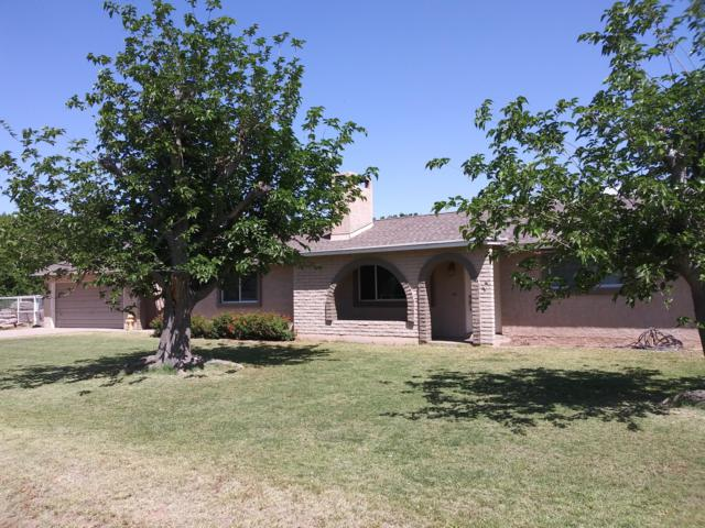3288 E Redfield Road, Gilbert, AZ 85234 (MLS #5919227) :: The W Group