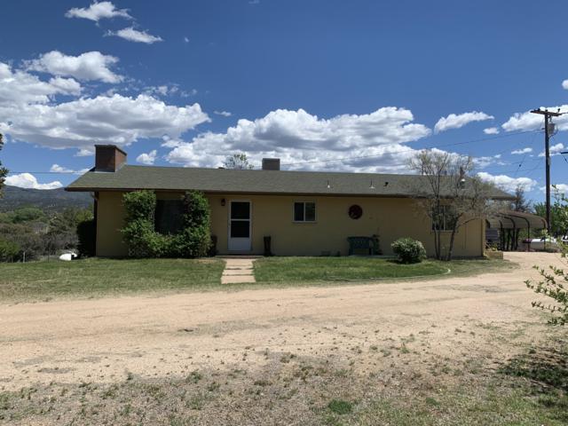 2565 S Iron Springs Road, Skull Valley, AZ 86338 (MLS #5933255) :: Brett Tanner Home Selling Team