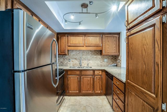 10330 W Thunderbird Boulevard A232, Sun City, AZ 85351 (MLS #5939115) :: Homehelper Consultants