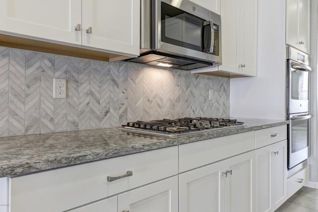 379 N 158TH Drive, Goodyear, AZ 85338 (MLS #5940741) :: Occasio Realty