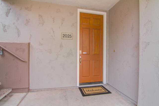 15221 N Clubgate Drive #2025, Scottsdale, AZ 85254 (MLS #5950899) :: Yost Realty Group at RE/MAX Casa Grande