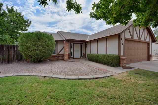 1321 N Bonarden Lane, Chandler, AZ 85226 (MLS #5956912) :: Homehelper Consultants