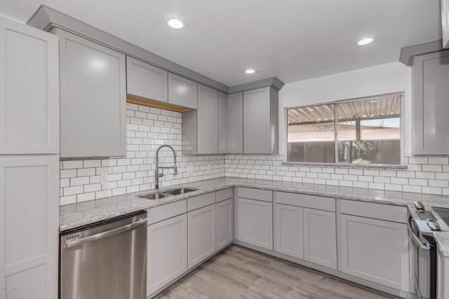 3635 E Turney Avenue #12, Phoenix, AZ 85018 (MLS #5975332) :: Brett Tanner Home Selling Team