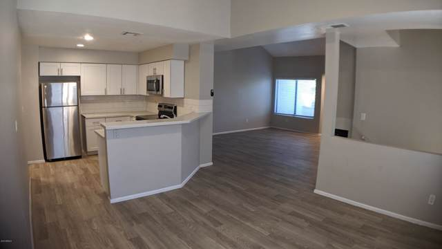 9225 N 59TH Avenue #213, Glendale, AZ 85302 (MLS #5992896) :: Openshaw Real Estate Group in partnership with The Jesse Herfel Real Estate Group