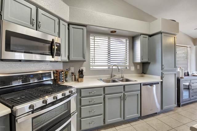 6611 N 89TH Avenue, Glendale, AZ 85305 (MLS #6002273) :: Yost Realty Group at RE/MAX Casa Grande