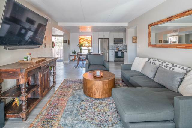 7402 E Carefree Drive 321/322, Carefree, AZ 85377 (MLS #6024108) :: Lux Home Group at  Keller Williams Realty Phoenix