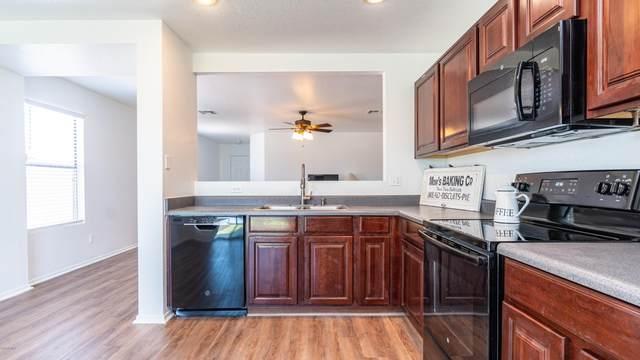 8806 S 9TH Street, Phoenix, AZ 85042 (MLS #6079851) :: Dijkstra & Co.