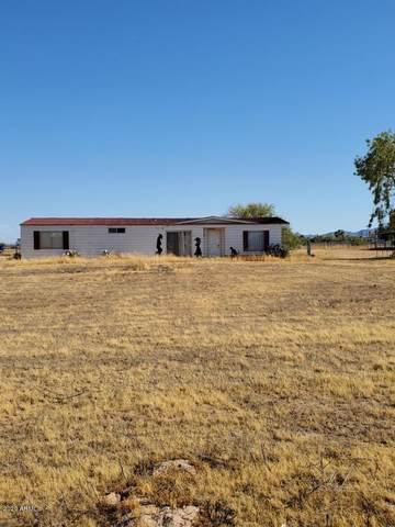51677 W Julie Lane, Maricopa, AZ 85139 (MLS #6109512) :: Conway Real Estate