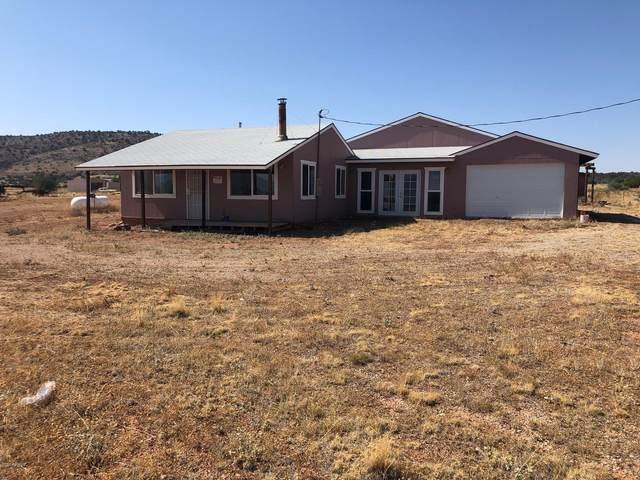 500 Gypsy Girls Road, Seligman, AZ 86337 (MLS #6131337) :: Devor Real Estate Associates
