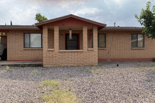 1851 Apache Drive, Douglas, AZ 85607 (MLS #6137042) :: The Riddle Group