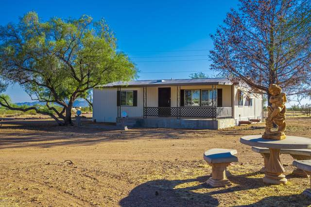 38425 N 250th Avenue, Morristown, AZ 85342 (MLS #6146420) :: Yost Realty Group at RE/MAX Casa Grande