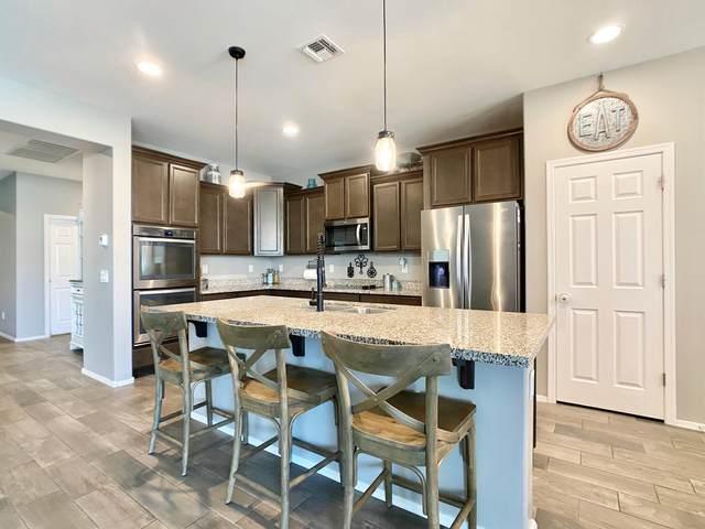 10240 W Lawrence Lane, Peoria, AZ 85345 (MLS #6147063) :: TIBBS Realty