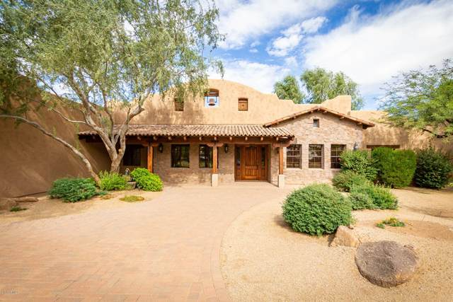 2928 E Airport Drive, San Tan Valley, AZ 85140 (#6156362) :: The Josh Berkley Team
