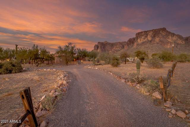5850 E Concho Street, Apache Junction, AZ 85119 (MLS #6189639) :: Yost Realty Group at RE/MAX Casa Grande