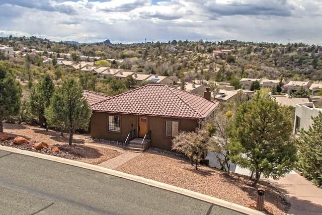 2402 Desert Willow Drive, Prescott, AZ 86301 (MLS #6217004) :: Yost Realty Group at RE/MAX Casa Grande