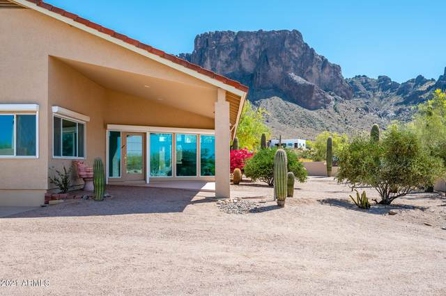 5990 E Windsong Street, Apache Junction, AZ 85119 (MLS #6218030) :: Yost Realty Group at RE/MAX Casa Grande