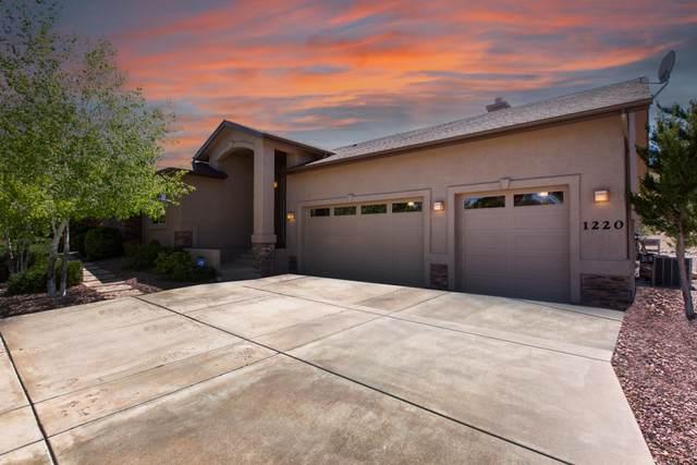 1220 Highlander Place, Prescott, AZ 86305 (MLS #6227949) :: Yost Realty Group at RE/MAX Casa Grande