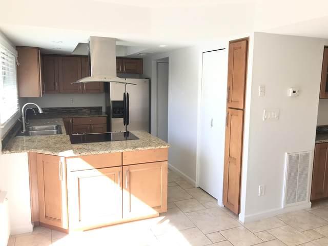5908 N 83RD Street, Scottsdale, AZ 85250 (MLS #6228612) :: The Ellens Team
