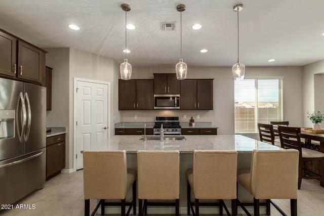 371 S 201ST Avenue, Buckeye, AZ 85326 (MLS #6256515) :: Yost Realty Group at RE/MAX Casa Grande