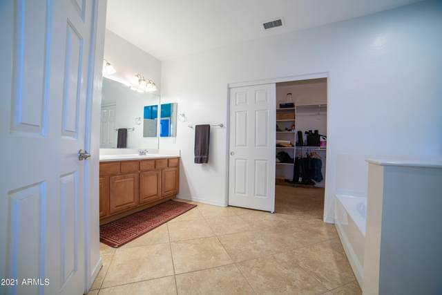 29750 W Fairmount Avenue, Buckeye, AZ 85396 (MLS #6258359) :: Yost Realty Group at RE/MAX Casa Grande