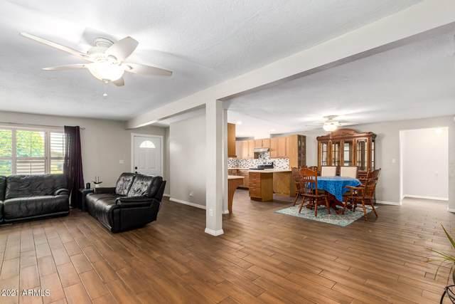 8102 N 38TH Avenue, Phoenix, AZ 85051 (MLS #6259156) :: Yost Realty Group at RE/MAX Casa Grande