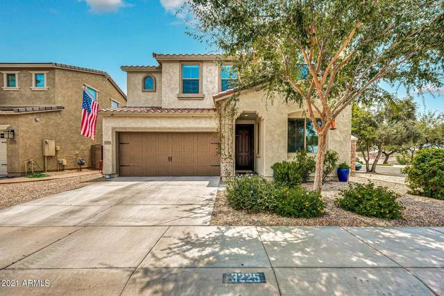 3225 E Ridgewood Lane, Gilbert, AZ 85298 (MLS #6266238) :: Openshaw Real Estate Group in partnership with The Jesse Herfel Real Estate Group