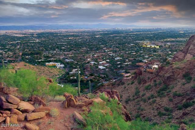 5220 E Red Rock Drive, Phoenix, AZ 85018 (MLS #6273199) :: Fred Delgado Real Estate Group