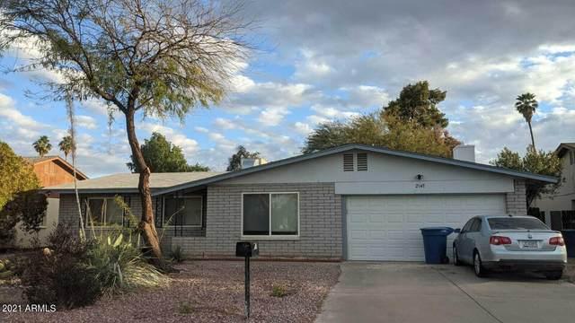 2147 E Oxford Drive, Tempe, AZ 85283 (MLS #6294408) :: Klaus Team Real Estate Solutions