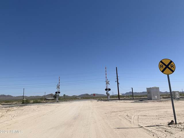 Lot 2 NW Mile Post 58 Hwy 60 Highway, Salome, AZ 85348 (MLS #6295090) :: The Daniel Montez Real Estate Group