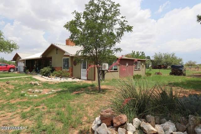 220 W Papago Way, Cochise, AZ 85606 (MLS #6300233) :: Yost Realty Group at RE/MAX Casa Grande